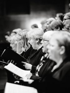 Erste Reihe Chorsängerinnen